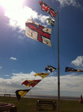 RNLI day flags small